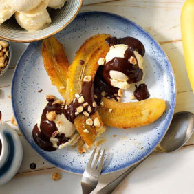 Chiquita goes bananas for a yummy banana split!