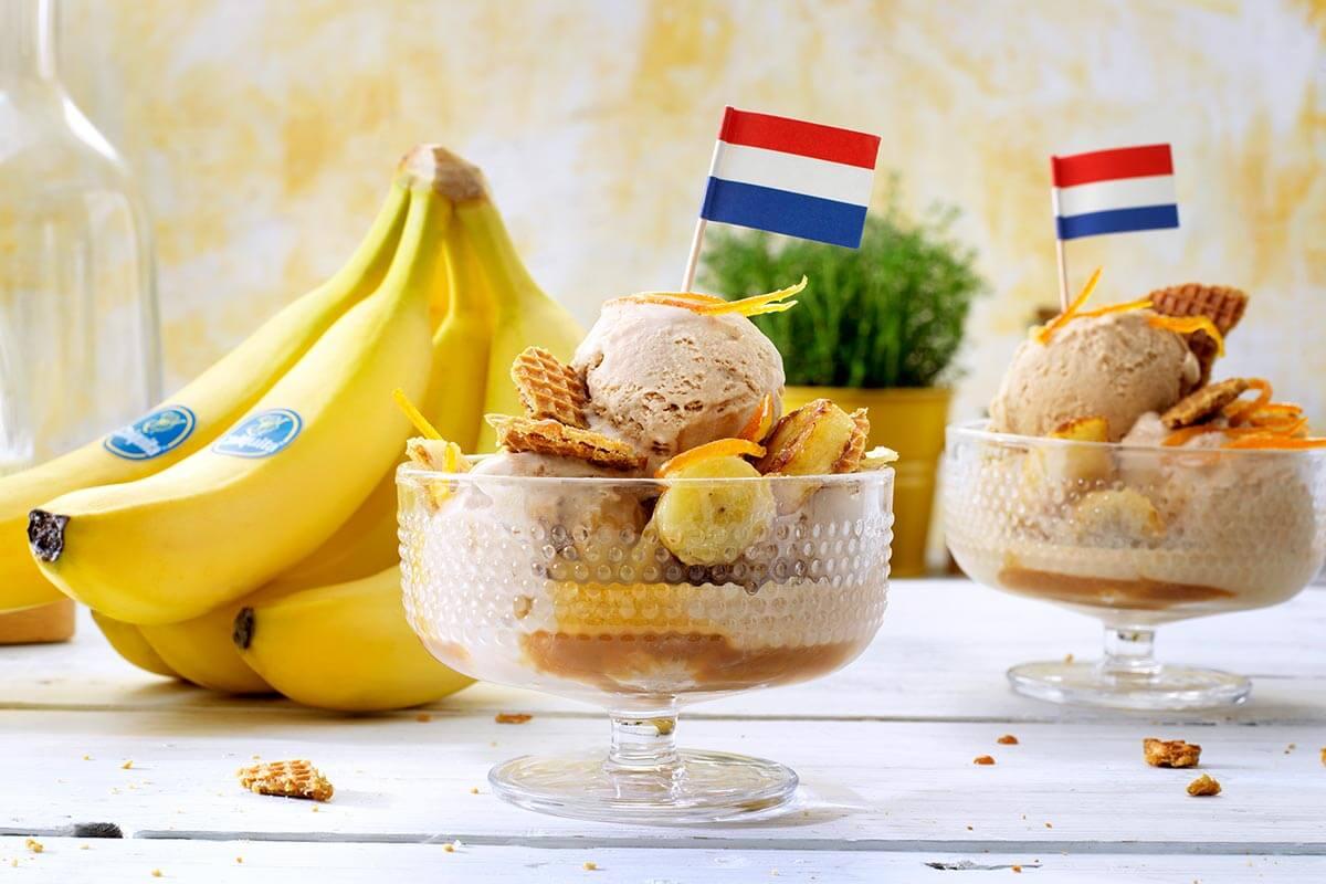 Cinnamon icecream with Chiquita banana and crunchy Dutch stroopwafel