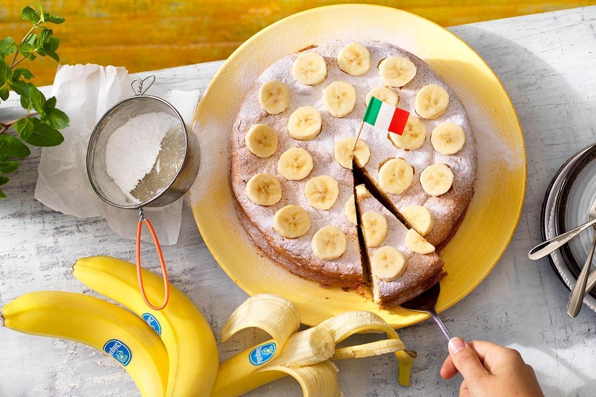 Italian torta paradiso with Chiquita banana