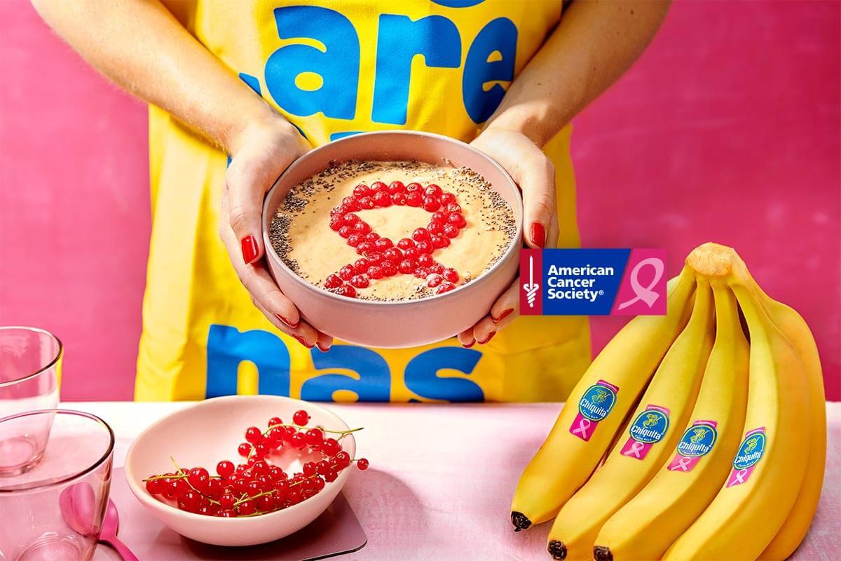 Smoothie bowl with Chiquita banana, mango and pineapple