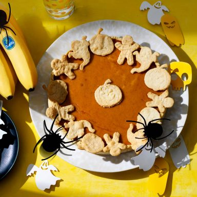 Easy Halloween Pumpkin Pie with Chiquita Banana