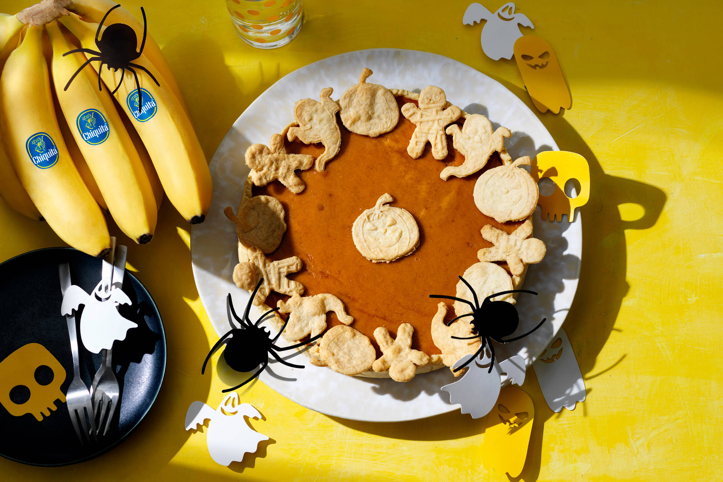 Easy Halloween Pumpkin Pie with Chiquita Banana