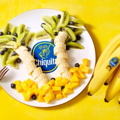 Chiquita Banana Palmtree with Kiwi and Mango