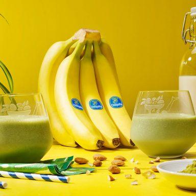 Frozen banana & matcha smoothie By Chiquita