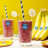 Healthy breakfast Banana smoothie with oats by chiquita